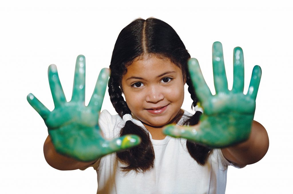 GIRL WITH GREEN HANDS